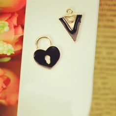 Find More Charms Information about 10pcs Heart Triangle floating Enamel Charms Alloy Pendant fit for necklaces bracelets DIY Female Fashion Jewelry Accessories,High Quality charming hummingbird,China charm jewelery Suppliers, Cheap pendant ceiling from Playful beauty department store on Aliexpress.com