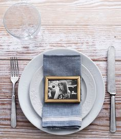 A framed photo is a perfect addition for your Thanksgiving table decorations.