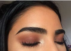Eyebrows help to complete our facial look and are very important feature of your face. Too thin eyebrows overshadow the beauty of a human. One more advantage of thick eyebrows is that you can shape them to your required shape. Makeup Goals, Makeup Inspo, Makeup Inspiration, Eye Makeup, Makeup Art, Makeup Eyebrows, Makeup Hacks, Makeup Ideas, Makeup Tips