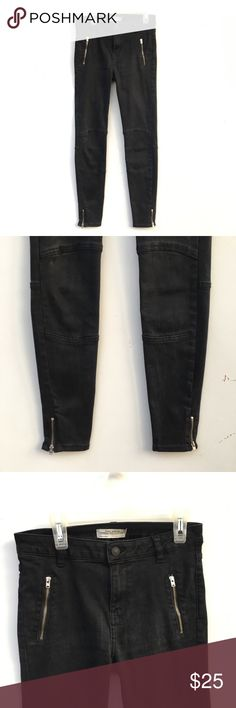 Zara Trafuluc Black Biker Moto Skinny Jeans Zara Premium Denim Collection biker moto jeans in black. Zippers at ankles, and at the top of the front. Zara Jeans Skinny