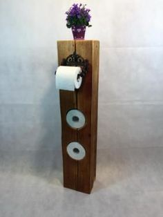 The toilet roll holder was handcrafted from a at least 150 year old wooden . The toilet roll Wc Set, Acorn Crafts, Wooden Pallet Furniture, Rock Decor, Toilet Roll Holder, Old Pallets, Wooden Projects, Old Wood, Diy For Kids
