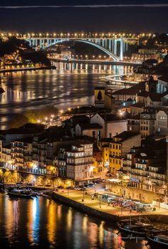 Portugal tem vários cantos e recantos a conhecer. A cidade do Porto, no Norte de Portugal, é sem dúvida um lugar que merece destaque por todas as suas características e segredos mais bem guardados da Visit Portugal, Portugal Travel, Spain And Portugal, Places To Travel, Places To See, Wonderful Places, Beautiful Places, Porto City, Destinations