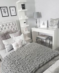 Image of Merino Chunky Knit Blanket – Knitting Blanket Bedroom Grey Bedroom Decor, Bedroom Decor For Teen Girls, Stylish Bedroom, Room Ideas Bedroom, Small Room Bedroom, Small Rooms, Warm Bedroom, White Bedroom, Bedroom Ideas For Women In Their 20s
