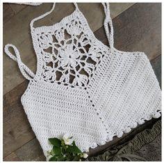 Video, Shish Strikpose Model Making Bikinis Crochet, Crochet Bra, Love Crochet, Crochet Clothes, Crochet Designs, Crochet Patterns, Crochet Summer Dresses, Creative Knitting, Crochet Halter Tops