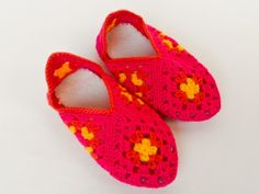 Slippers - Pink & Yellow Pink Yellow, Slippers, Shoes, Fashion, Moda, Zapatos, Shoes Outlet, Fashion Styles, Slipper