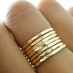 I had a ring like that in Brazil, when I moved here it got lost, I miss it!