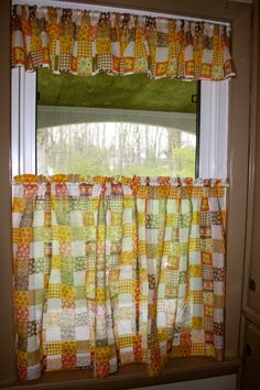 vintage curtains Like the style not the pattern.