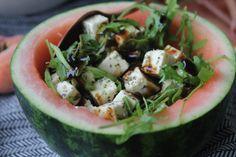 Wassermelonen-Feta-Salat - Die besten Salate zum Grillen mit Verlosung - Jules kleines Freudenhaus Feta Salat, Zucchini, Vegetables, Foodies, Cold Cuts, Leafy Salad, Prize Draw, Awesome Things, Food Dinners