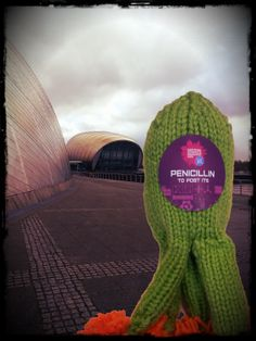 Lonely penicillin #microbe wanders around #Glasgow   http://www.glasgowcityofscience.com/news/389-knitters-needed-to-help-scots-pupils-smash-hand-hygiene-world-record-    #KnitMeAFriend