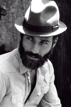 I've no idea who this is, but I've got a thing for beards and he's got beautiful eyes!!