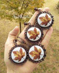 Mevsimi geldiyse 🍁🍂🎑. . #tbt #sonbahar #yaprakkolye #çınaryaprağı #çınarkolye #çınar #etaminkolye #kaneviçekolye #kolyeucu… Hand Embroidery Flowers, Embroidery Jewelry, Hand Embroidery Patterns, Diy Embroidery, Cross Stitch Embroidery, Cross Stitch Bookmarks, Mini Cross Stitch, Simple Cross Stitch, Easy Cross Stitch Patterns