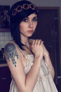 60 Tattoos for Girls 07 | tattoo ideas for girls, womens tattoos, inked girls, tattoos for women, ink inspiration