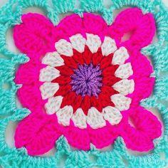 Mermaid Pastel Sea Shells with Bobble Stitch Free Mandala Crochet Patterns, Easter Crochet Patterns, Crochet Designs, Crochet Crafts, Crochet Projects, Free Crochet, Bobble Stitch Crochet, Easy Crochet Stitches, Crochet Shorts Pattern