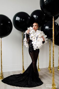 WedLuxe – Pop The Champagne! 30th Birthday Themes, Birthday Photos, Birthday Bash, Birthday Party Decorations, 30th Birthday Balloons, 30th Birthday Ideas For Women, Birthday Cakes, Silvester Party, Balloon Decorations