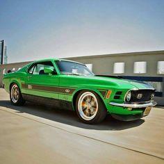 "2,927 Me gusta, 4 comentarios - @muzzy289 en Instagram: ""1970 Ford Mustang Mach 1 Restomod @Regrann from @fal.97.el - #mustang #repost Thanks to…"""