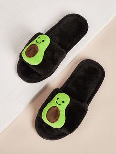 To find out about the Avocado Decor Fluffy Slippers at SHEIN, part of our latest Slippers ready to shop online today! Fashion Shoes, Girl Fashion, Fashion Outfits, Stylish Outfits, Cool Outfits, Mode Adidas, Beauty Hacks Skincare, Cute Avocado, Cute Sleepwear