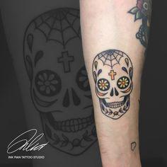 Ink Man Tattoo Studio Budapest #inkmantattoo #tattoo #tattoos #tetoválás #art #artist #budapesttattoo #colortattoo #colourtattoo #blacktattoo #armtattoo Budapest, Man, Tattoo Artists, Piercing, Skull, Tattoos, Tatuajes, Piercings, Tattoo