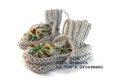 Newborn Baby Shoes Silk Shoes, Baby Silk Shoes, Baby Clothes, Waldorf Style, Hand Knit in Switzerland by Tom's Grossmami on etsy Cute Kids, Cute Babies, Knitted Hats, Crochet Hats, Cute Baby Shoes, Silk Plants, Diy For Kids, Hand Knitting, Baby Shower Gifts