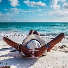 BEACH ideas para tomarse fotos en la playa How Pool Cleaning Robots Can Work You It used Beach Bum, Summer Beach, Summer Vibes, Summer Art, Beach Relax, Playa Beach, Party Summer, Blue Beach, Summer Bikinis