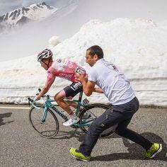 Giro d'Italia 2016. 19^Tappa, 27 maggio. Pinerolo > Risoul (FRA). Steven Kruijswijk (1987) cade nella discesa del Colle dell'Agnello, perdendo così la maglia rosa