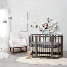 Very stylish nursery via @oilostudio 😍💕