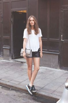 SMART INVESTMENTS: THE WHITE TEE | Iflaunt Me