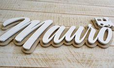 Letras de madera 3D. Acabado: pintado lacado profesional , tacto suave , fácil de limpiar, superficie lisa, ( no poroso). Tamaños: desde 30cm hasta 90cm ancho total. Colores a elegir. Con o sin siluetas ( a elegir). Presupuesto online al momento.