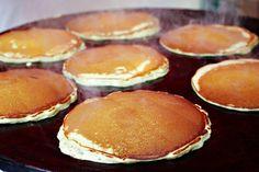 Sveler (Norwegian pancakes) recipe, perfect for fika! Norwegian Cuisine, Norwegian Food, Cake Recipes, Snack Recipes, Cooking Recipes, Snacks, Crepes And Waffles, Scandinavian Food, Recipes