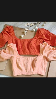 Traditional Blouse Designs, Simple Blouse Designs, Stylish Blouse Design, Latest Blouse Designs, Shagun Blouse Designs, Saree Blouse Neck Designs, Diy Blouse, Indian Blouse, Indian Wear