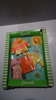 Barbie: NRFB Francie CLAM DIGGERS Outfit!