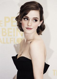 Emma Watson's makeup and hair