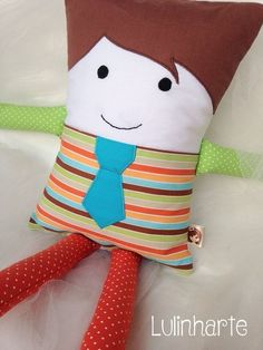 Naninha Fabric Animals, Sock Animals, Pillow Pals, Baby Gifts To Make, Small Sewing Projects, Plush Pattern, Fabric Toys, New Dolls, Toy Craft
