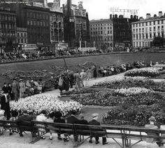 Piccadilly Gardens 1950, Manchester.