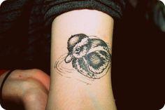 Duck Tattoo, so cute! Dream Tattoos, Future Tattoos, Tattoo Art, Body Art Tattoos, Duck Tattoos, Clever Tattoos, Tattoo Ideas, Tattoo Designs, Ducks