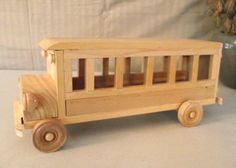 Bus de juguete madera grande reciclada para por Aroswoodcrafts