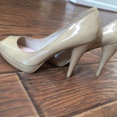 """✨Peep toe Patent Nude Color Heels ✨Nude color, patent leather.✨Used, worn less than 5x. Purchased from DSW. Platform slightly less than 1 inch. Heel approximately 5"""" Shoes Heels"""