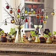 How to create a Christmas mantelpiece decoration