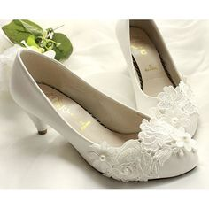 Handmade White Pearl Lace Patent Leather Low Heel Wedding Bridal Shoes SKU-1091057