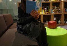 Il salotto della nostra libreria dove poter leggere e scegliere i libri da acquistare!!!