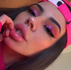 beautiful makeup looks Glam Makeup, Cute Makeup, Pretty Makeup, Skin Makeup, Makeup Inspo, Makeup Inspiration, Full Face Makeup, Barbie Makeup, Makeup 2018