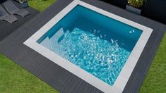 Choose between 90 models and permutations and see the difference between a fibreglass-shell pool and a Waterair pool. Mini Pool, Mini Swimming Pool, Mini Piscina, Small Backyard Design, Small Backyard Landscaping, Backyard Patio, Backyard Ideas, Piscine Simple, Kleiner Pool Design