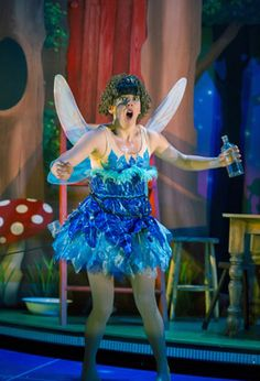 THEATRE REVIEW: PETER PAN GOES WRONG at Leeds Grand Theatre..