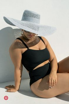 Add delightfully sweet style to your swimwear collection with a slimming cut-out one piece swimsuit. Pair it with sun hat for a trendy outfit. Curvy Girl Fashion, Plus Size Fashion, Sexy Outfits, Cute Outfits, Beach Outfits, Mix And Match Bikini, How To Pose, Plus Size Swimwear, Beautiful Black Women