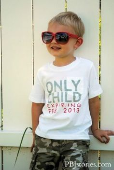 """Second Pregnancy Announcement, but i'd say """"'only child' status expires ___"""", else we'd be saying the poor child expires lol Second Pregnancy Announcements, Birth Announcements, Sibling Announcement, Pregnancy Photos, Big Brother Announcement Shirt, Cute Kids, Cute Babies, Do It Yourself Baby, Baby Kind"""