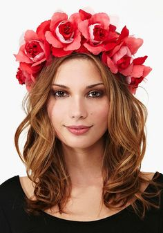 Daza Rose Crown woven + topped with red paper roses