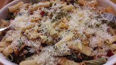 Πάστα «σέλινο» με λαχανικά στον φούρνο…από την Αλεξάνδρα Σουλαδάκη http://www.donna.gr/17154/pasta-selino-me-lachanika-ston-fournoapo-tin-alexandra-souladaki/  Ένα από τα πιάτα που μ αρέσουν ιδιαίτερα όταν ταξιδεύω με το πλοίο για την Κρήτη είναι το λιγκουίνι με λαχανικά. Εγώ σήμερα, θα το παραλλάξω λί�