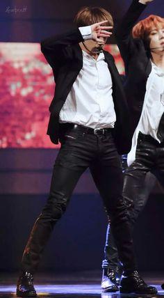 Jungkook thighs give me life