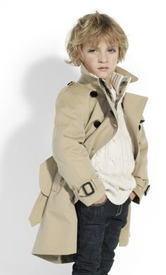 killer little man trench Junior Fashion, Boy Fashion, Little Kid Fashion, Burberry Trench, Stylish Boys, Boys Suits, Kids Coats, Little Fashionista, Photographing Kids