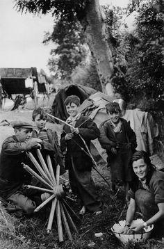 Henri Cartier-Bresson - Ireland. Munster. Tipperary County. 1952.