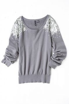 Cum de a transforma haine plictisitoare într-o capodoperă de haute couture - umeri DECOR, idei și MC. Discuție privind te gratuit acum! - Serviciul rus jurnal online